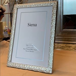 "Silver Siena Metallics 7/""x5/"" Glitter Photo Frame"